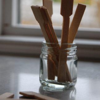 Träspatel för hudkrämerna
