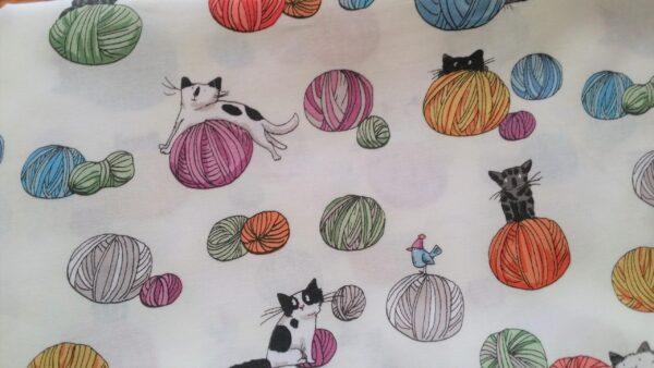 2. Tyg garn,katter och möss